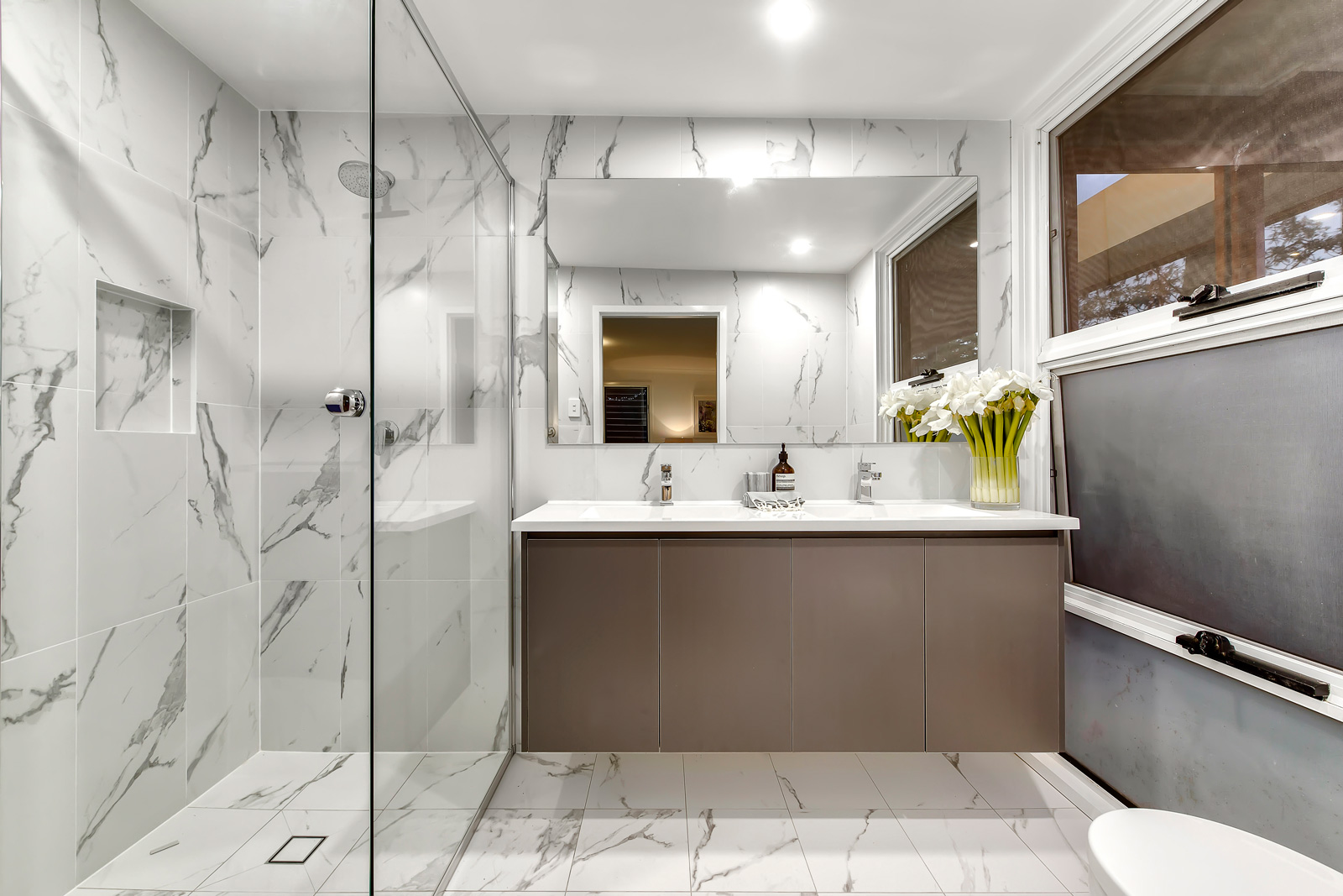 Cararra Bathroom design renovation
