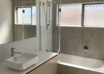 Jindalee Bathroom - Shower Bath & Vessel Basin