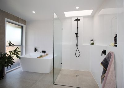 Freestanding Wall to Back Bath