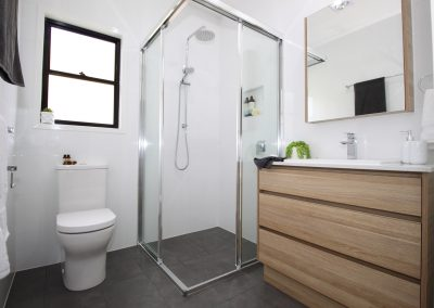 Compact Ensuite Solutions - Dual sliding shower screen