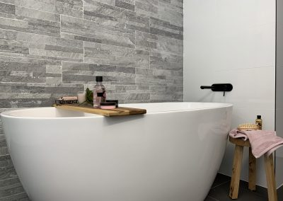 Freestanding Bathtub - Feature Grey Tiles with Black tapware