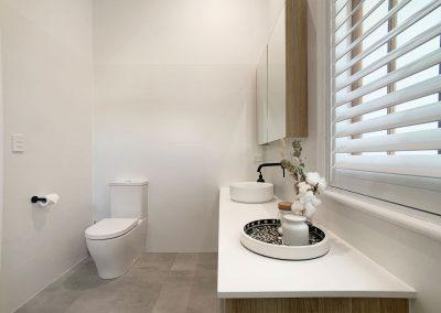 Spacious Ensuite - Vanity and Toilet
