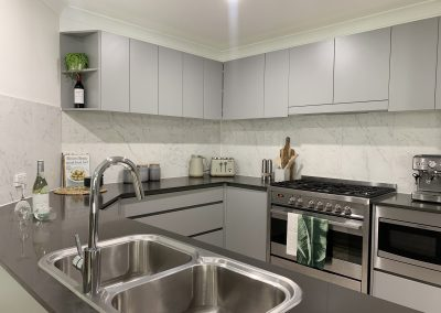 Grey Kitchen Cabinetry, Finger Pull Drawers & Engineered Stone