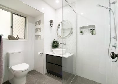 Ensuite with Woodgrain Vanity - Single Shower Rail and Niche
